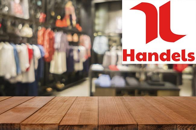 utsikt över tom klädbutik från kassan och handels logotyp